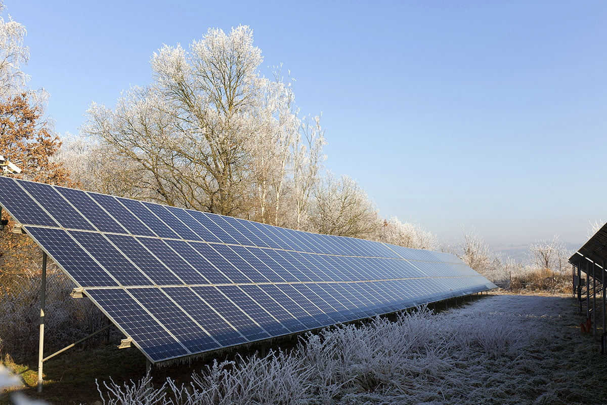 jak panele fotowoltaiczne działają zimą
